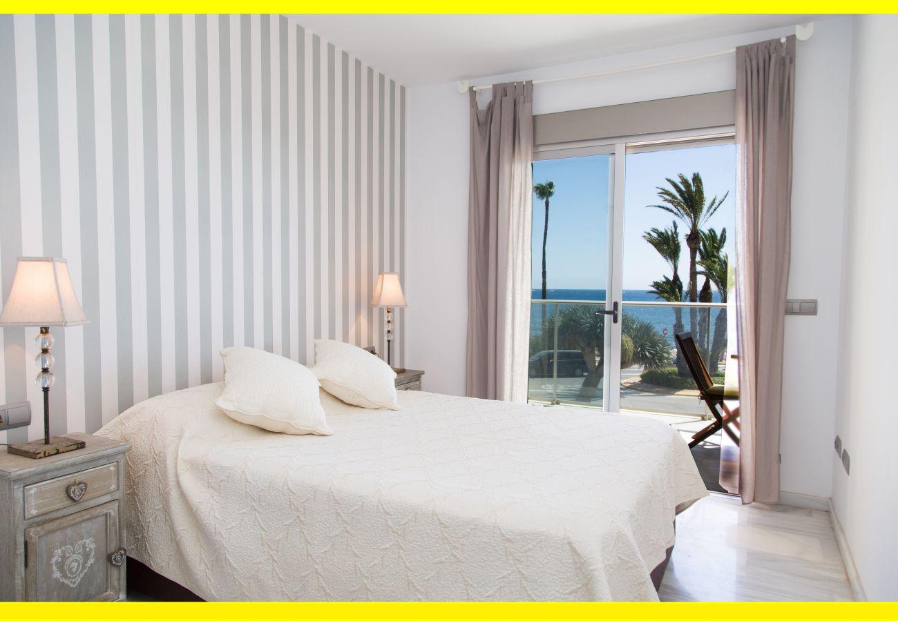 Apartment for rent in Puerto de Javea facing the sea