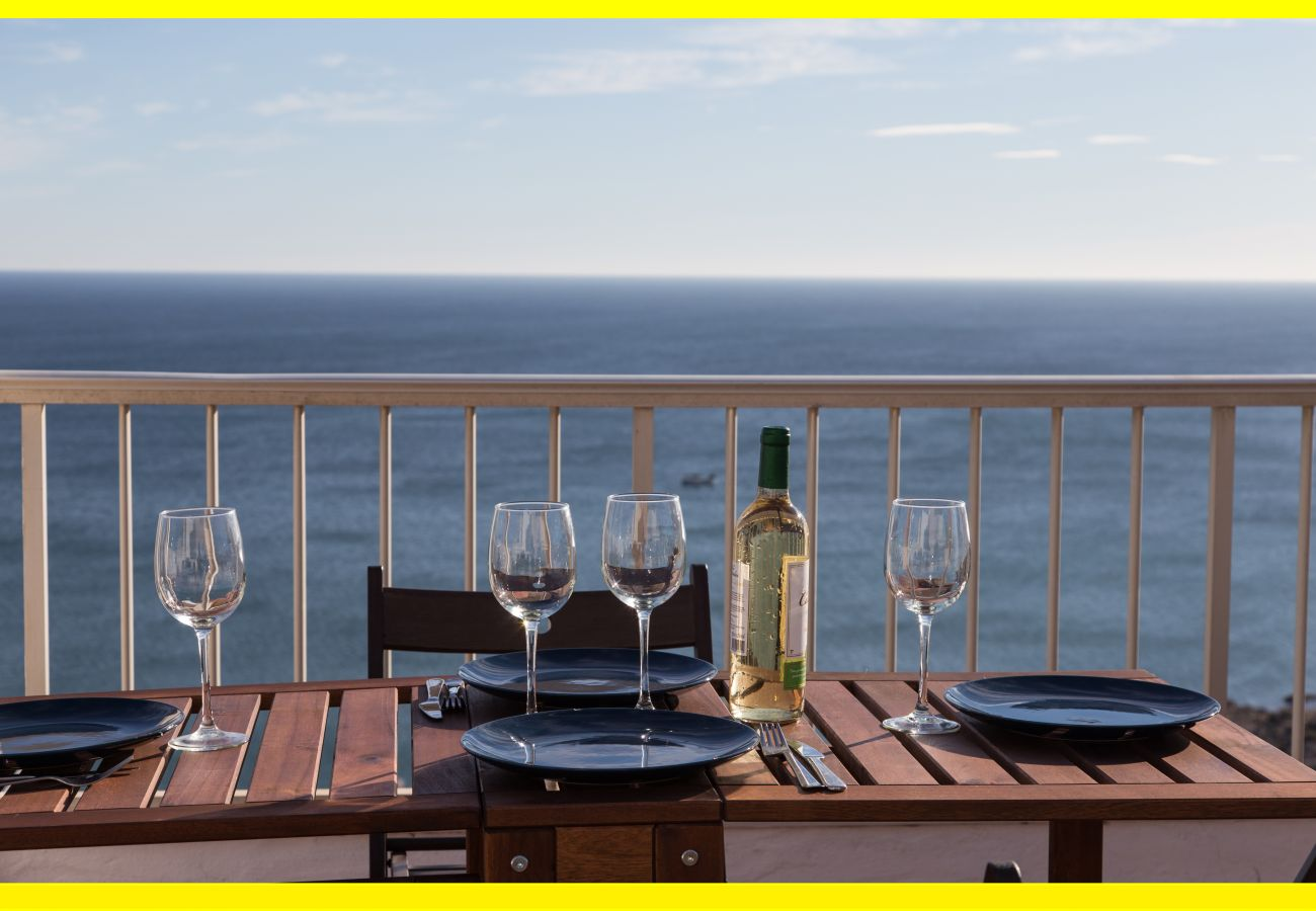 Penthouse avec grande terrasse donnant sur toute la côte de Valence et le phare de Cullera.