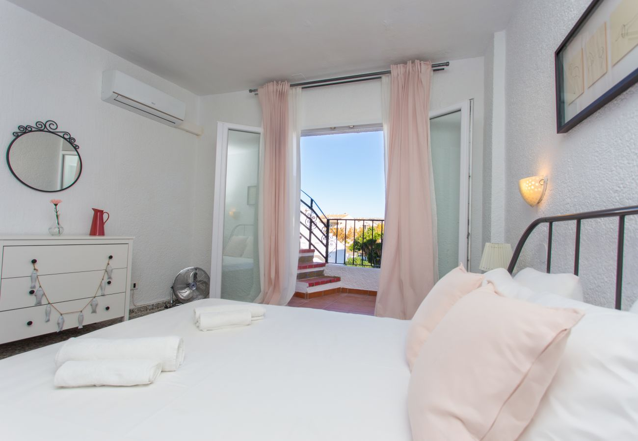 Maison mitoyenne à Javea - Javea townhouse with roof terrace 300m Arenal